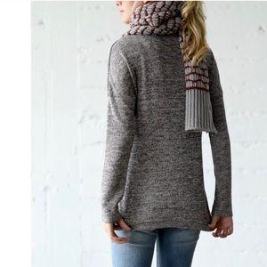 Tops - Long sleeved grey top!
